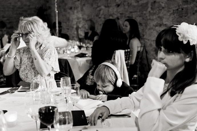 Notley-Abbey-Wedding-Photography_054.jpg