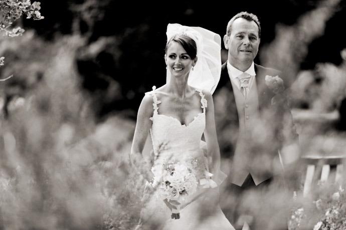 Kingston-Bagpuize-Wedding-Photography-025.jpg