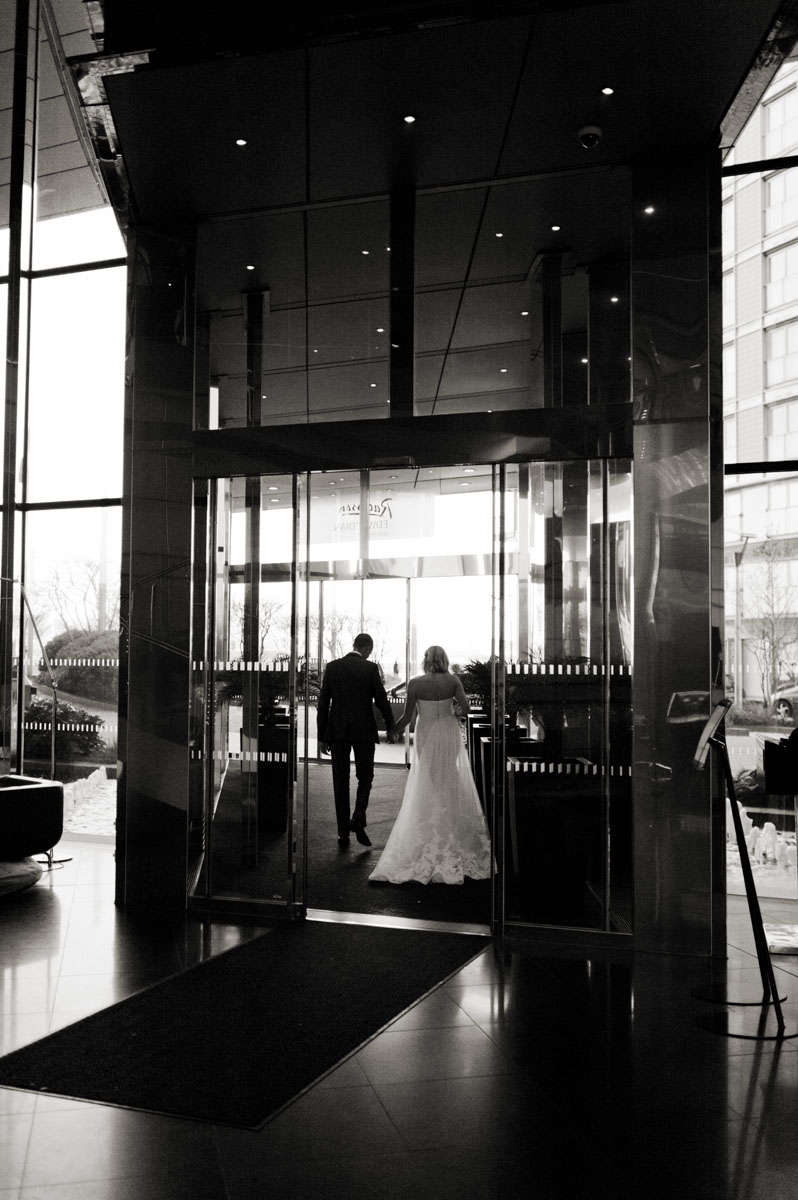Radisson-Blu-Edwardian-New-Providence-Wharf-Hotel-Wedding-Photography-025.jpg