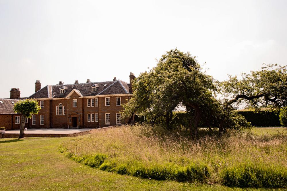 Poundon-House-Wedding-Photographer-002.jpg