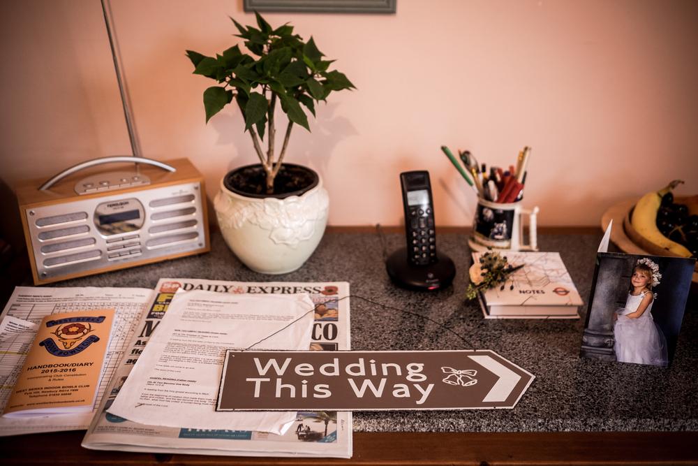 Berkshire reportage wedding photographers 005.jpg