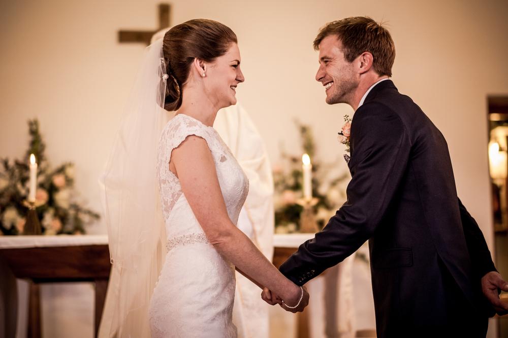 Berkshire reportage wedding photographers 014.jpg