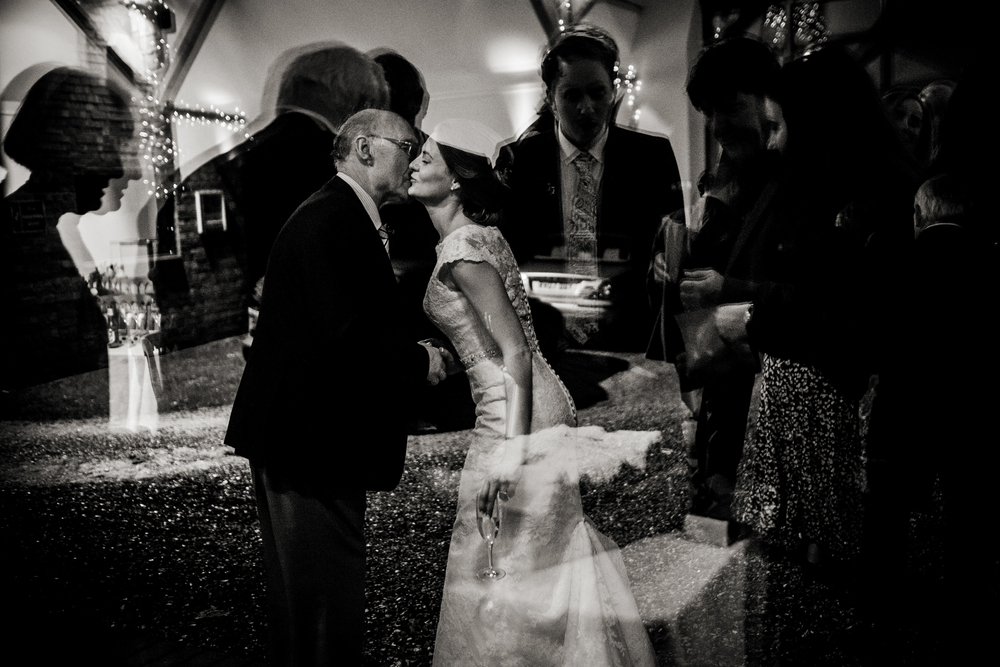 Berkshire reportage wedding photographers 030.jpg