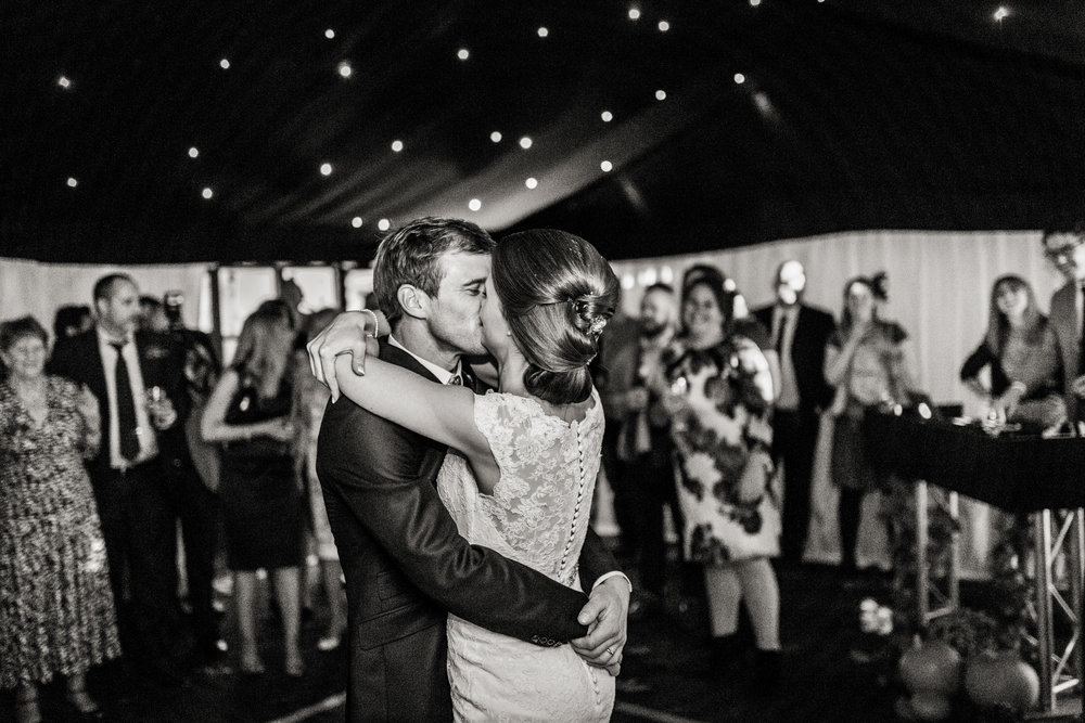 Berkshire reportage wedding photographers 029.jpg