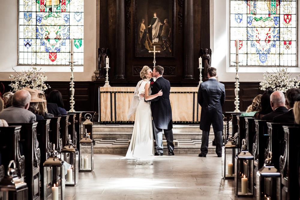 reportage wedding photography at the royal exchange london 023.jpg