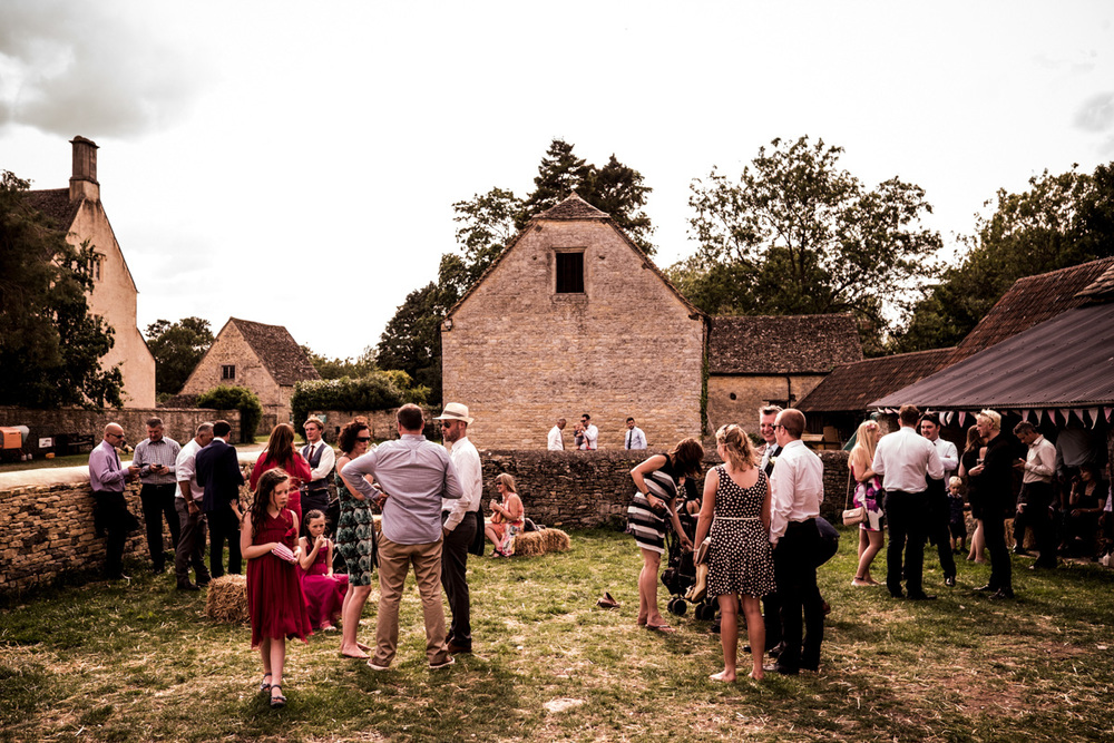Wedding Photography at Cogges Farm 016.jpg