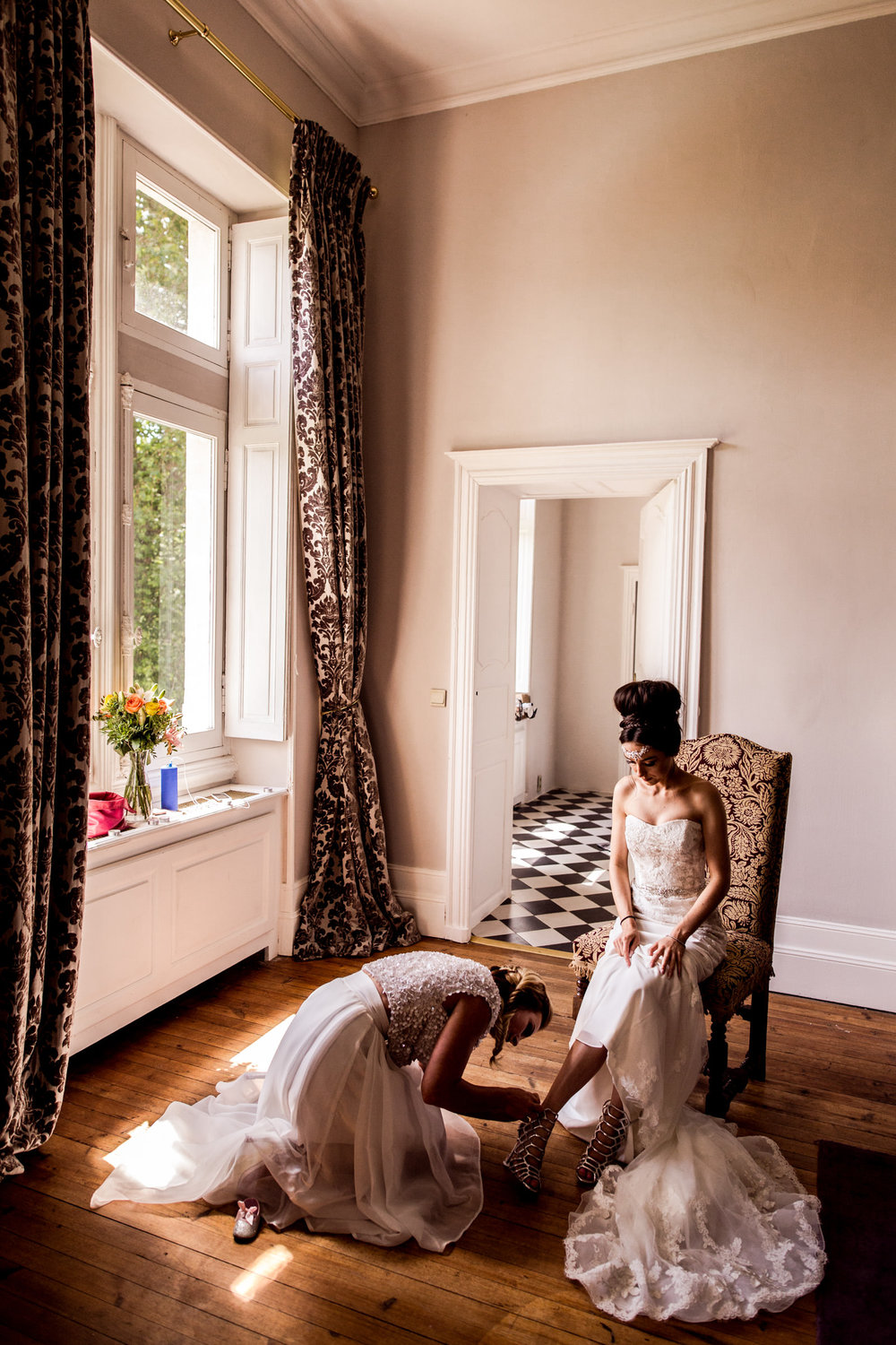 Uk Wedding photographers working at chateau de lisse in gascony 024.jpg
