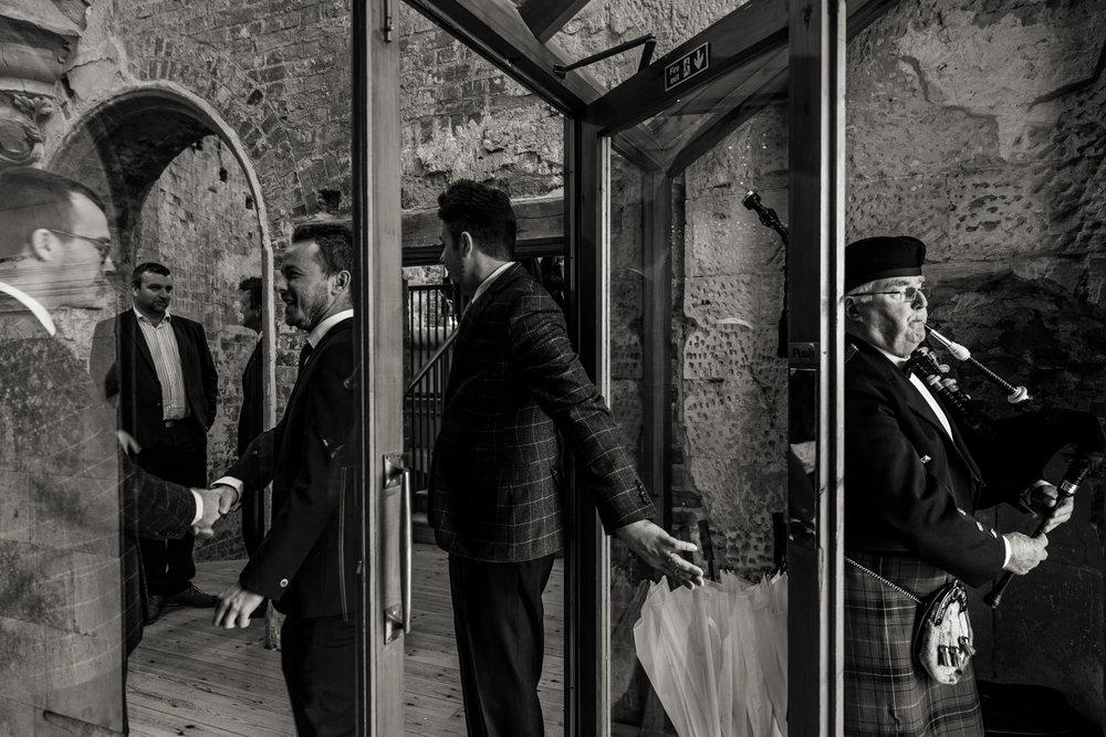 Lulworth Castle Wedding Photography 011.jpg