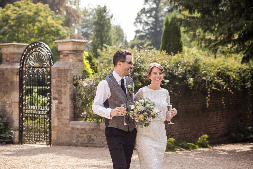 Trinity College Cambridge couple wedding photography 014.jpg