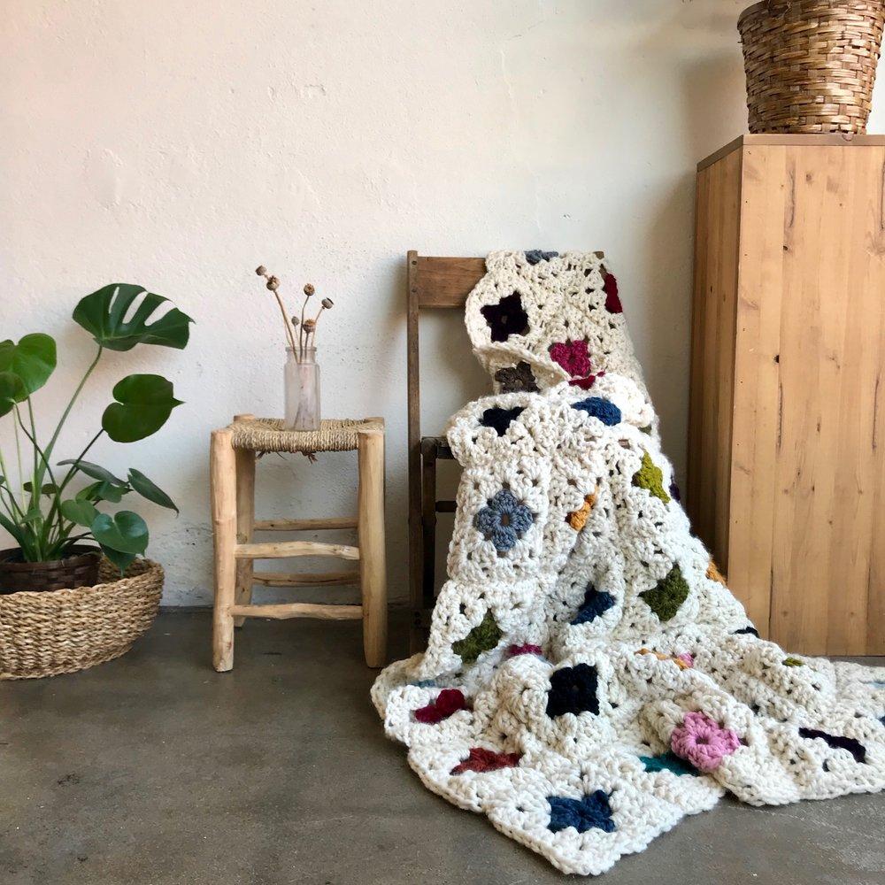 crochet granny square chunky blanket.jpg