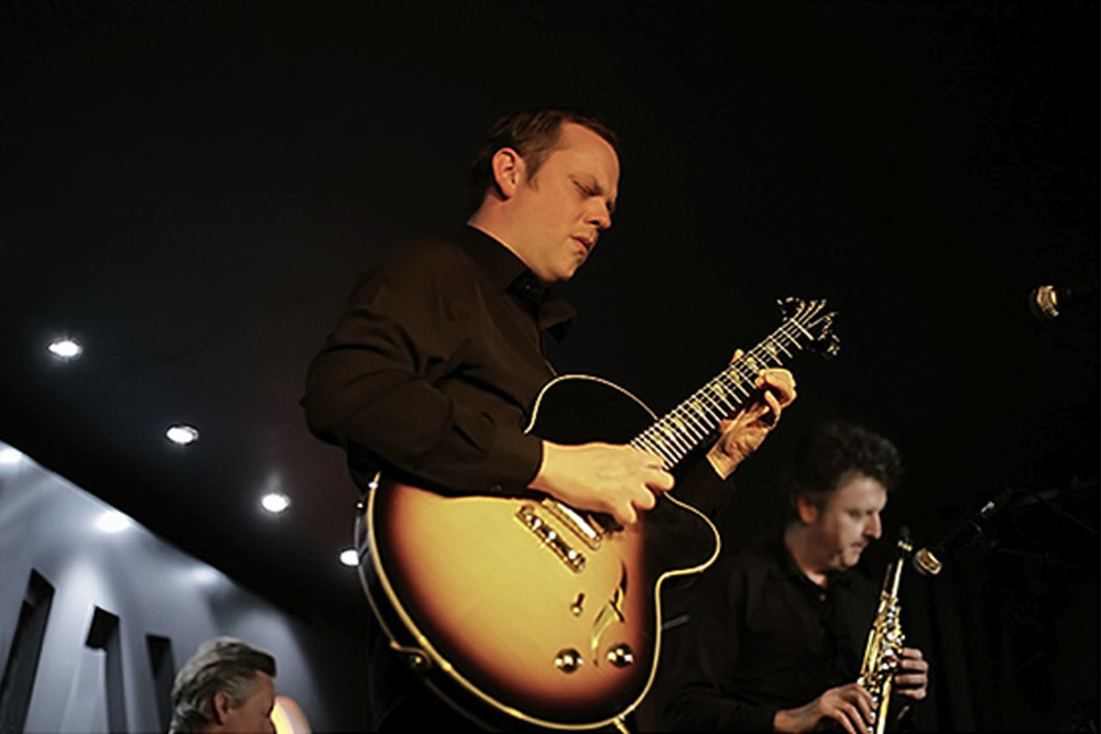 Phil Robson J3 semi-solid archtop