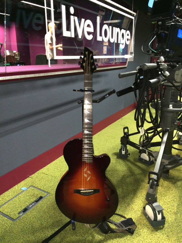 J2 Case Guitar BBC Live lounge