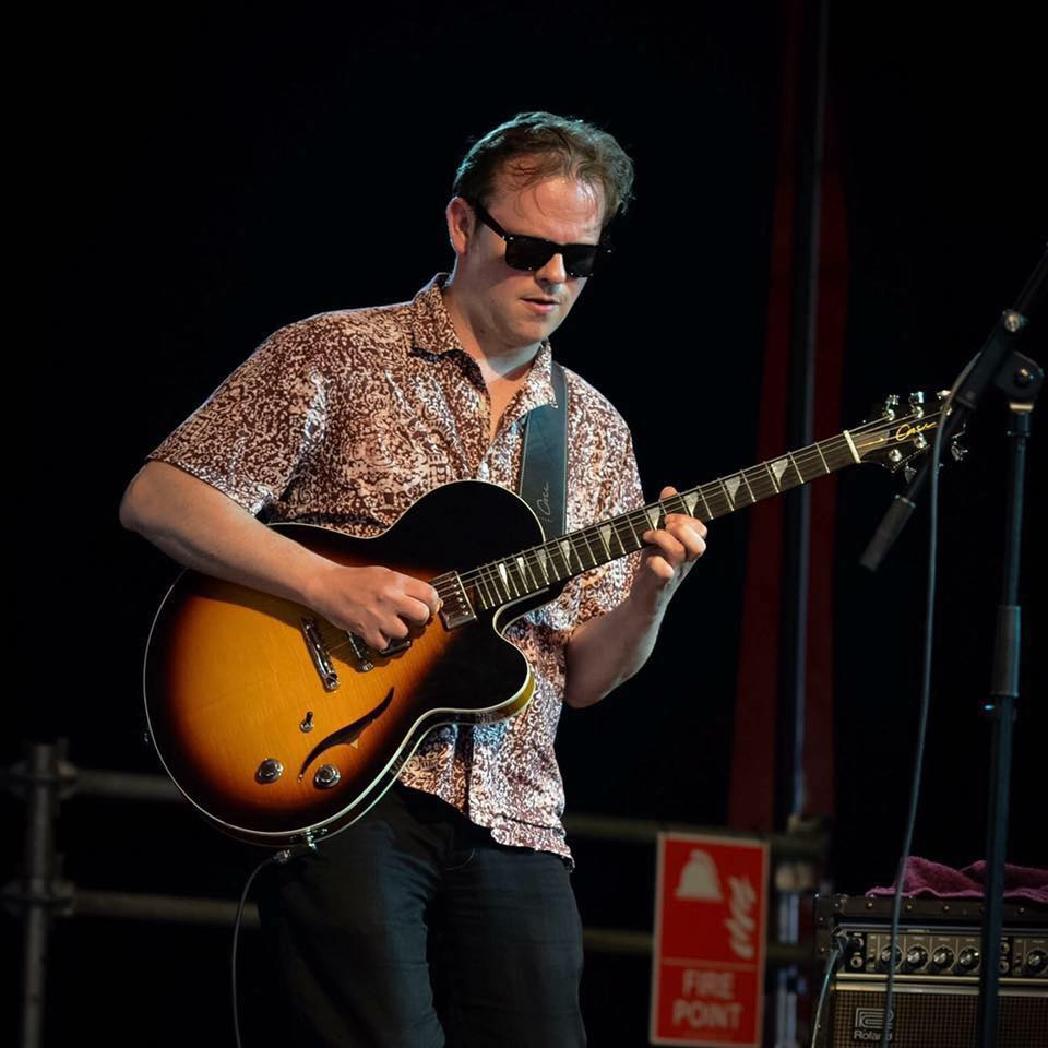 Phil Robson Case J3 semi-hollow