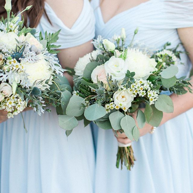 Still love these gorgeous bouquets from Olivia and Matt's big day ! What are your favorite color combos in bridal bouquets?