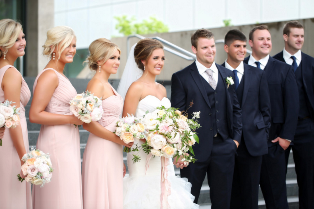 Grand Rapids Art Museum Wedding Bridal Party Photos