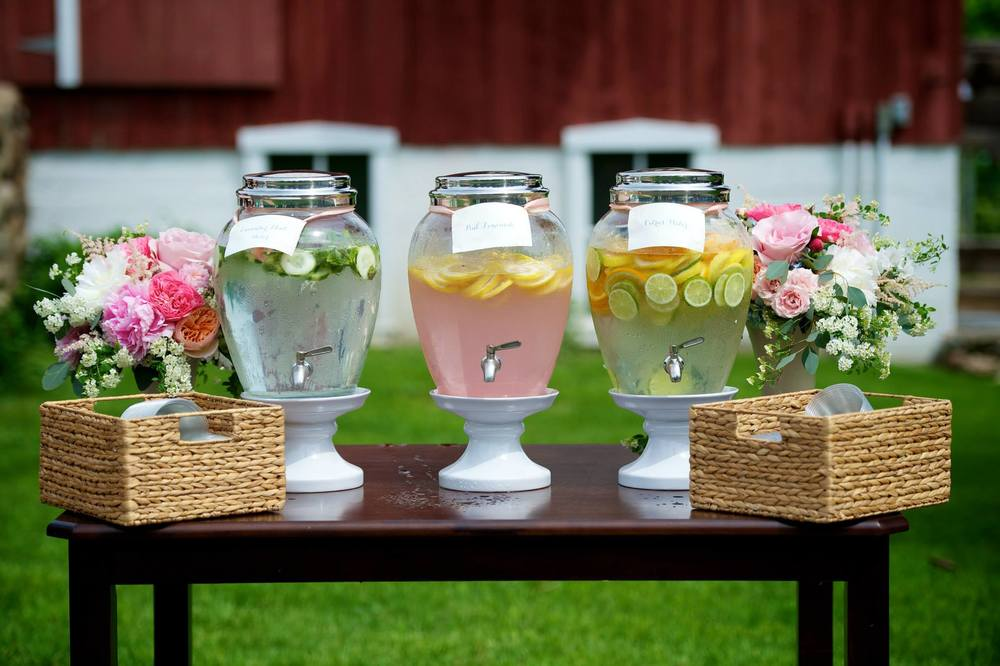 Michigan Outdoor Wedding Drink Station Photos