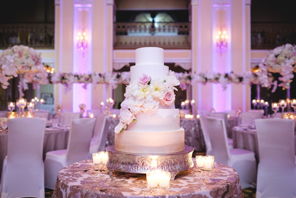 Downtown Grand Rapids Hotel with Beautiful White Cake