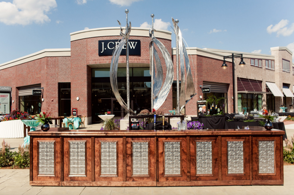 Grand Rapids MI Tanger Outlet Event Bar