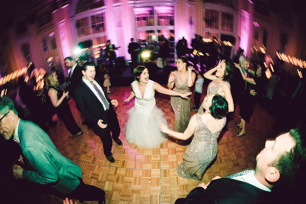 Grand Rapids, Michigan Wedding Drunk Dancing Photos