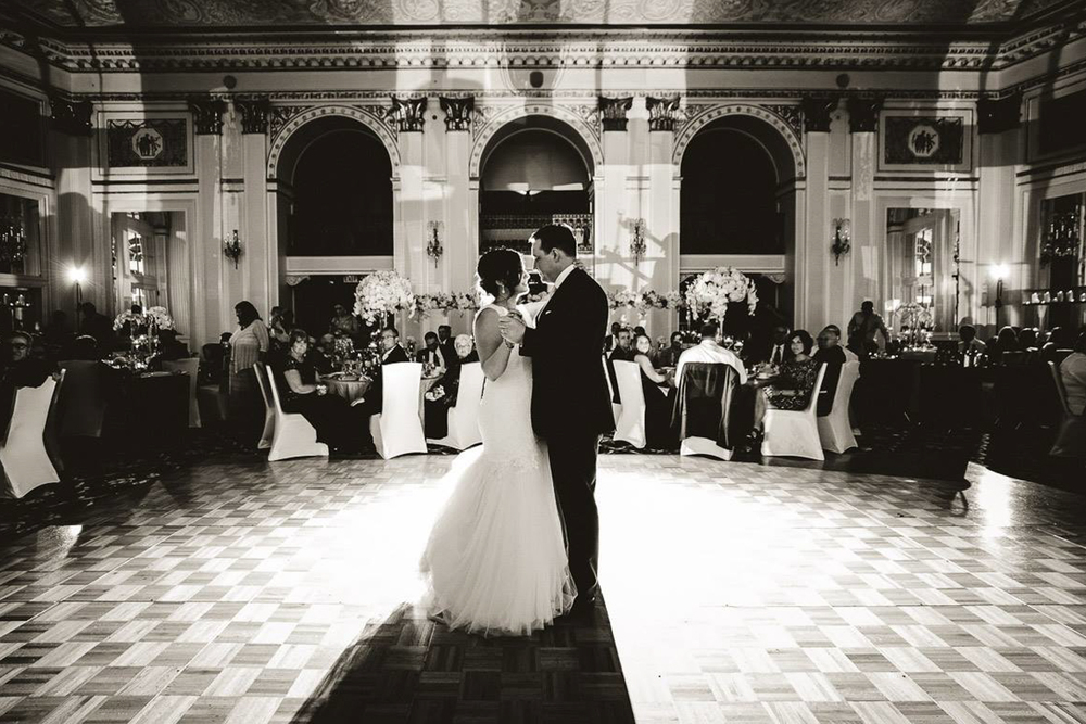 Grand Rapids, Michigan Wedding First Dance Photos