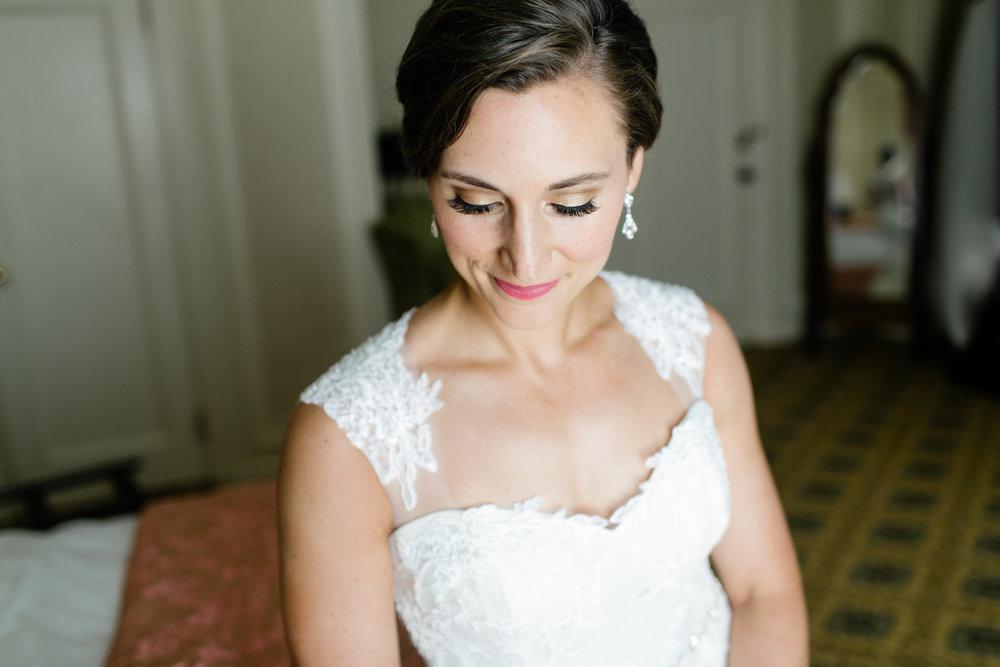 Grand Rapids, Michigan Bride Photos in Hotel