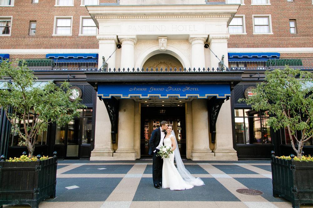Amway Grand Plaza Hotel Downtown Grand Rapids Wedding Photos