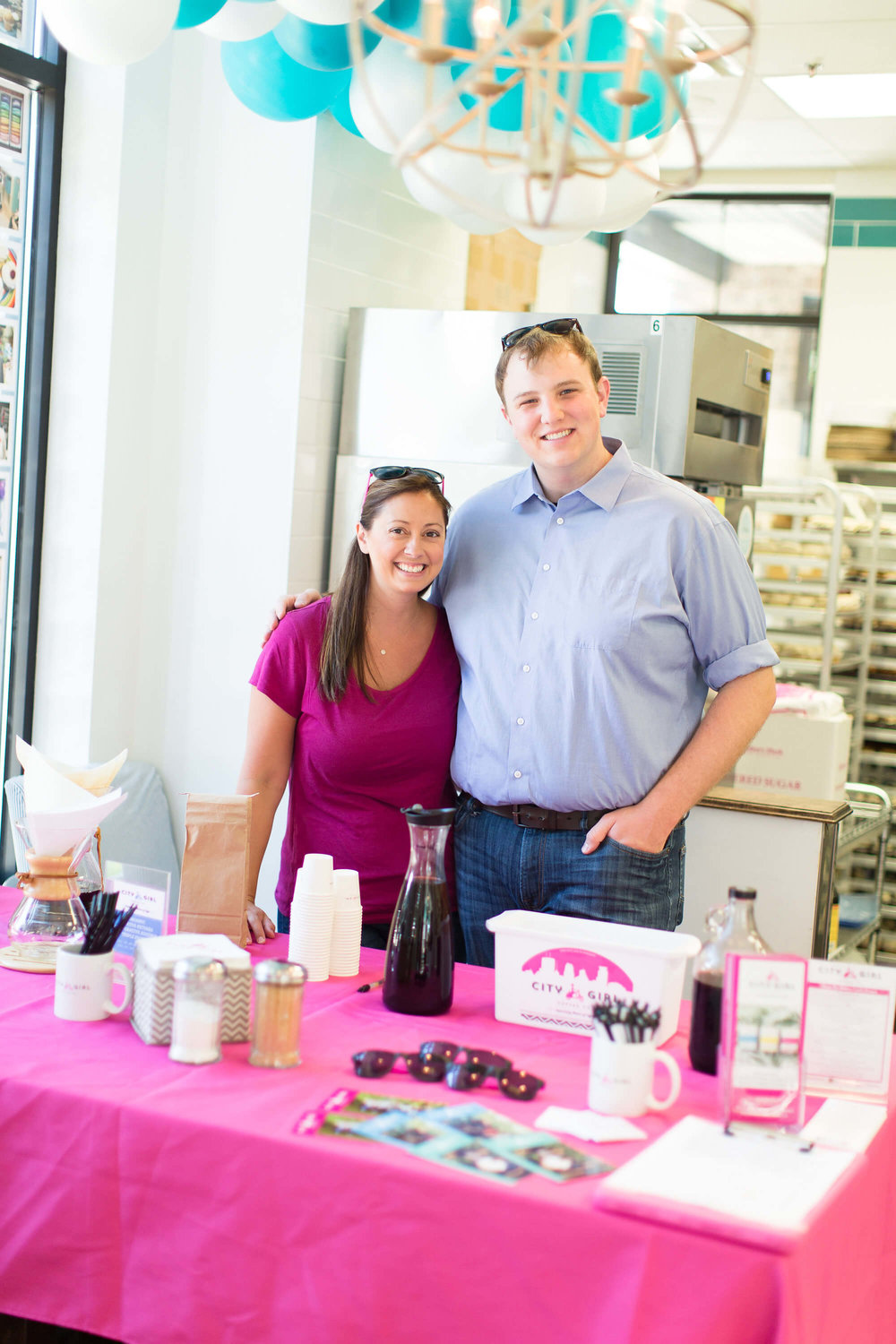 engle-olson-ashley-elwill-photography-amys-cupcake-shoppe-one-year-14.jpg