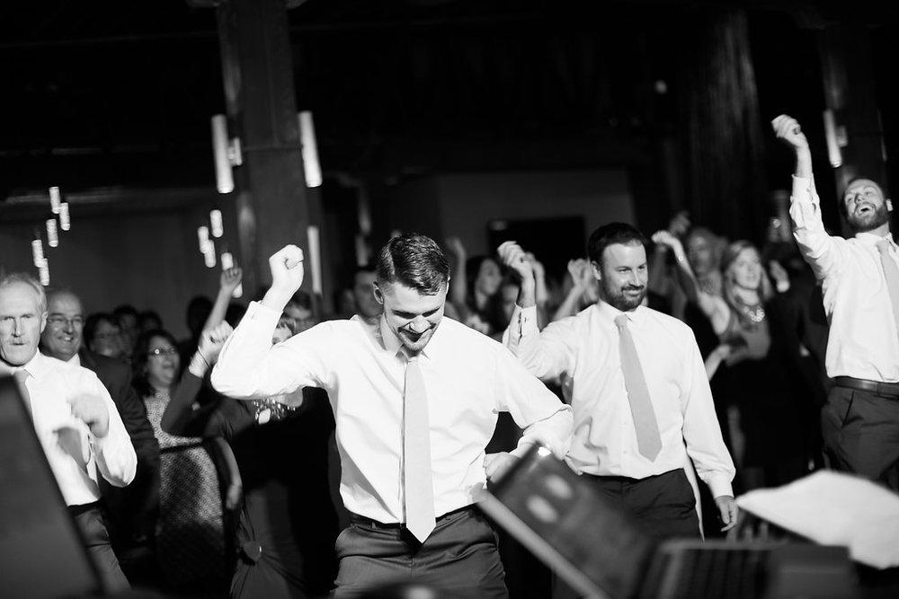 engle-olson-brooke-aho-minnesota-wedding-29.jpg