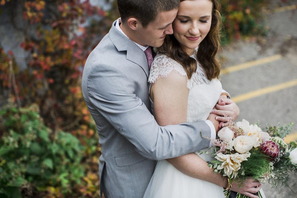 engle-olson-minneapolis-fall-wedding-31.jpg