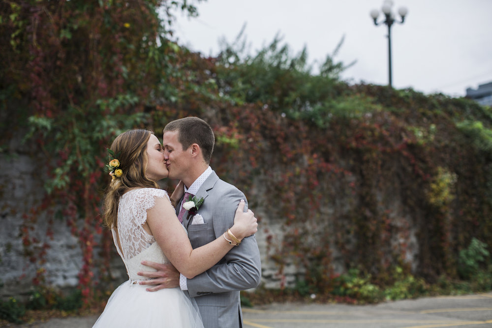 engle-olson-minneapolis-fall-wedding-26.jpg