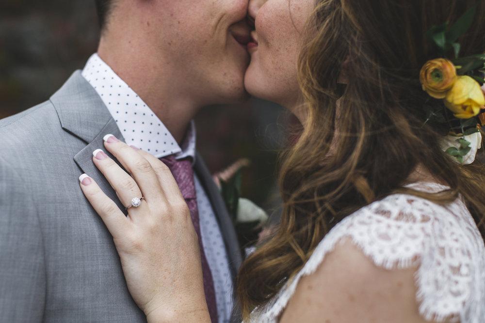 engle-olson-minneapolis-fall-wedding-60.jpg