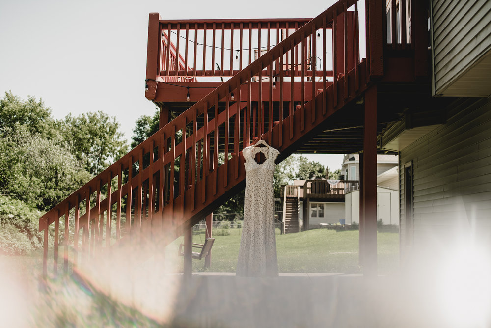 engle-olson-emily-skyler-mn-wedding-4.jpg