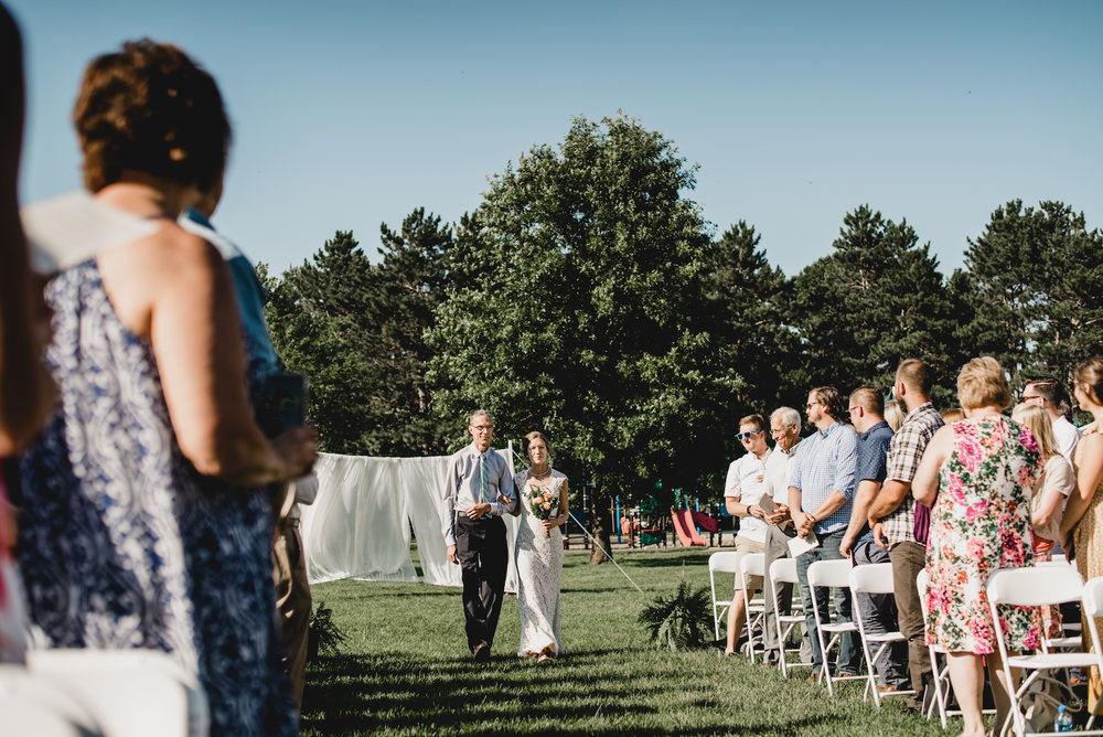 engle-olson-emily-skyler-mn-wedding-35.jpg