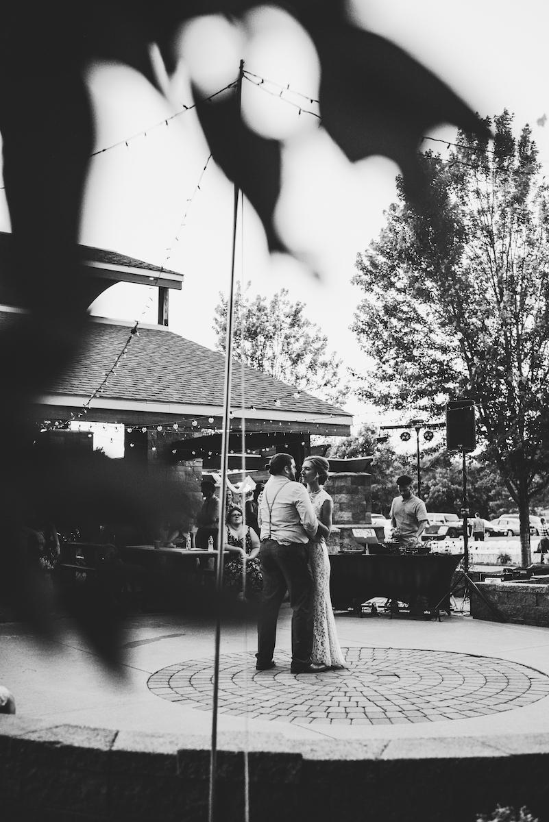 engle-olson-emily-skyler-mn-wedding-48.jpg