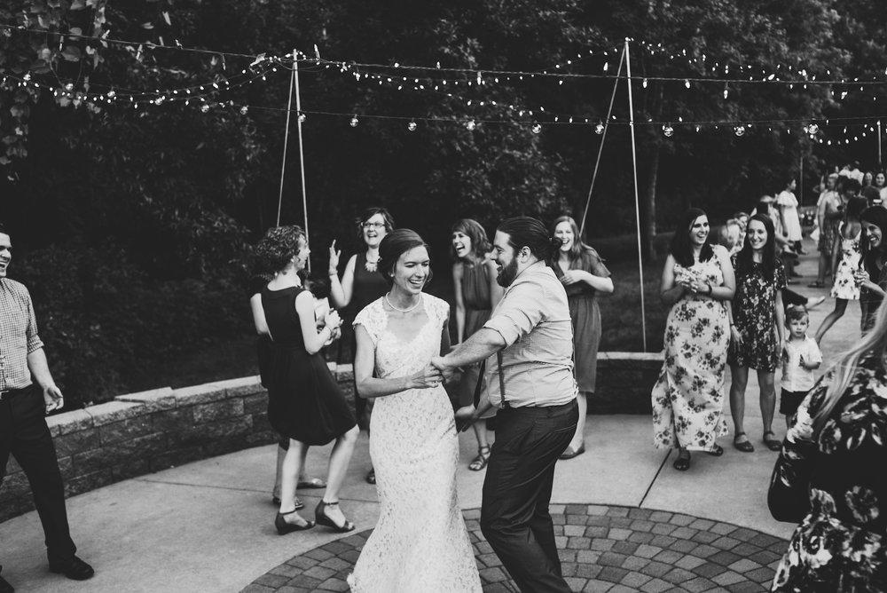 engle-olson-emily-skyler-mn-wedding-51.jpg