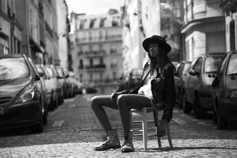 ROCKIN' CHAIR   - Editorial