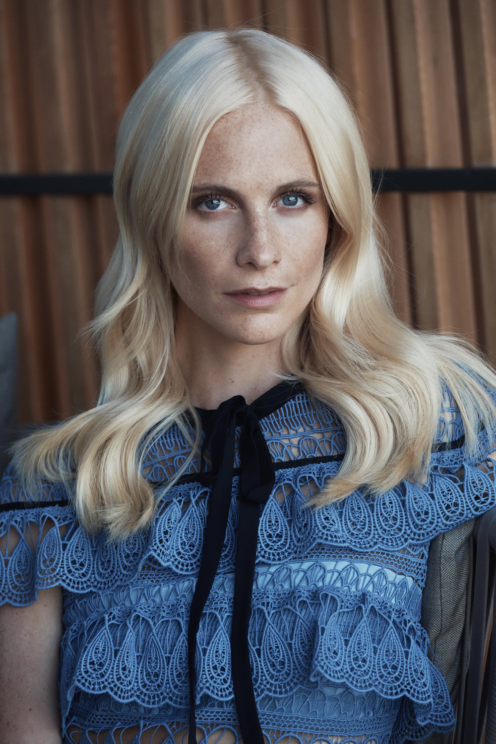 AIR FRANCE MADAME  - Poppy Delevingne