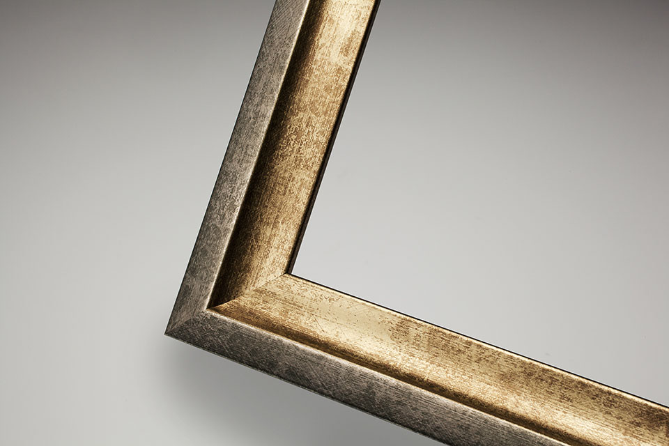 Culzean frame in Champagne-silver distressed finish