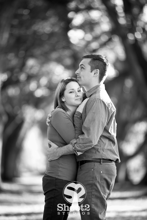 engagement picture audubon oak trees