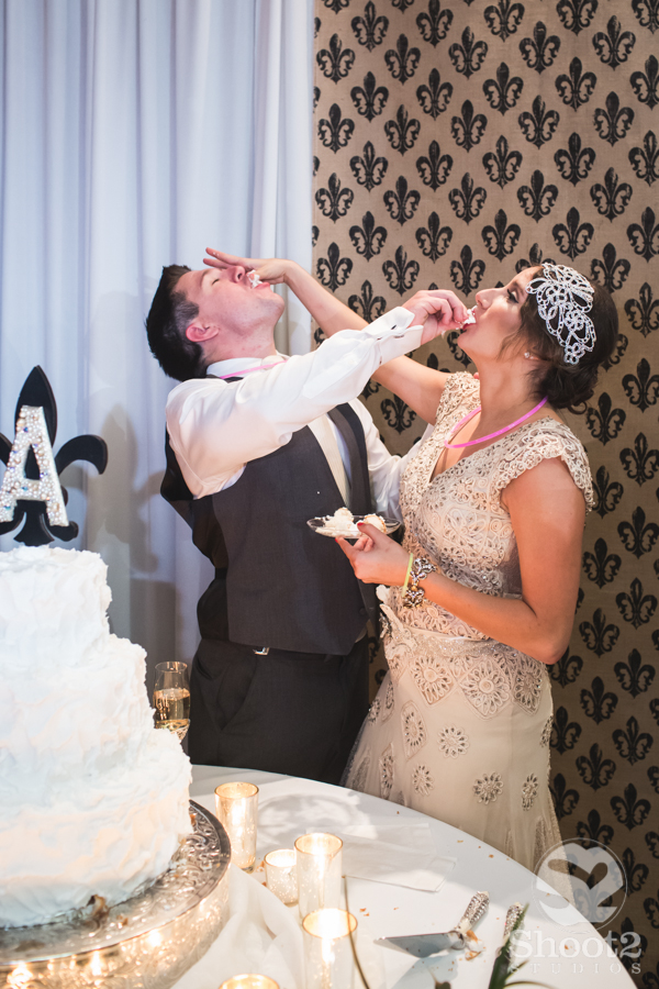 fun wedding cake smash