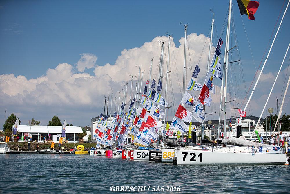 ExtaSea (721) en avant plan au port des Sables d'Olonne,prêt à prendre le départ
