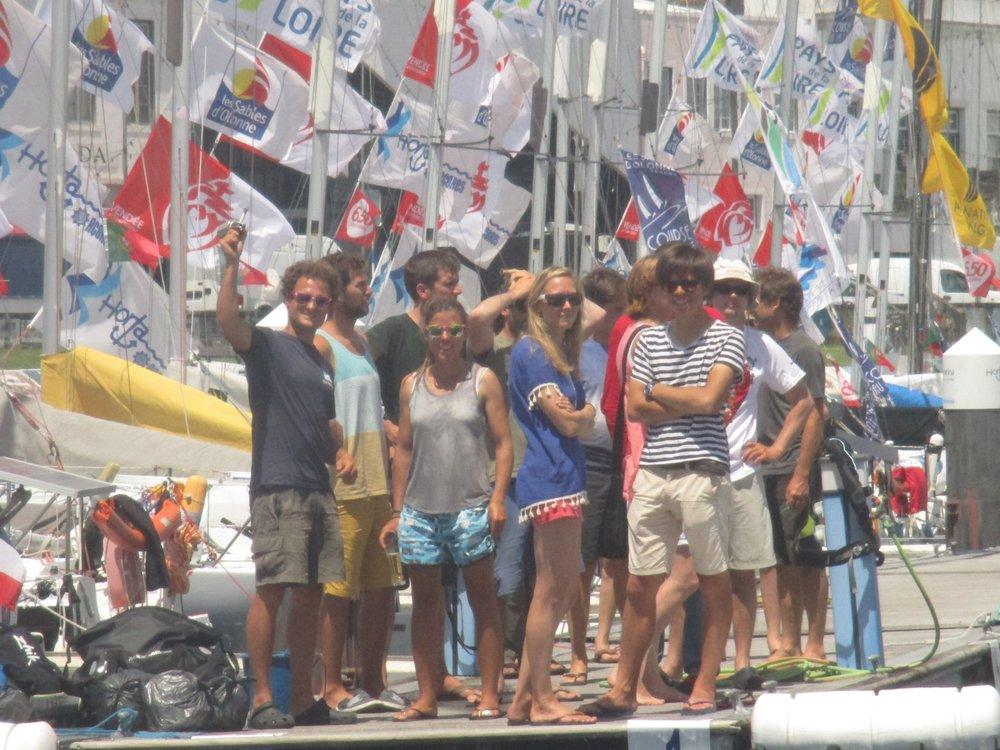 """Les autres skipper """"ministes"""" m'attendent sur les pontons du port de Horta."""