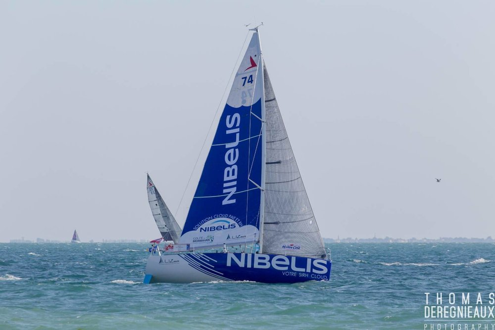 """Tanguy Le Turquais à bord de son Figaro """"Nibelis"""" ©Thomas Deregnieaux Photographie"""