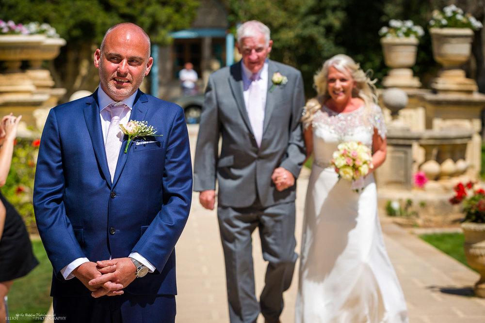 Groom-waiting-bride-wedding-ceremony-villa-bologna