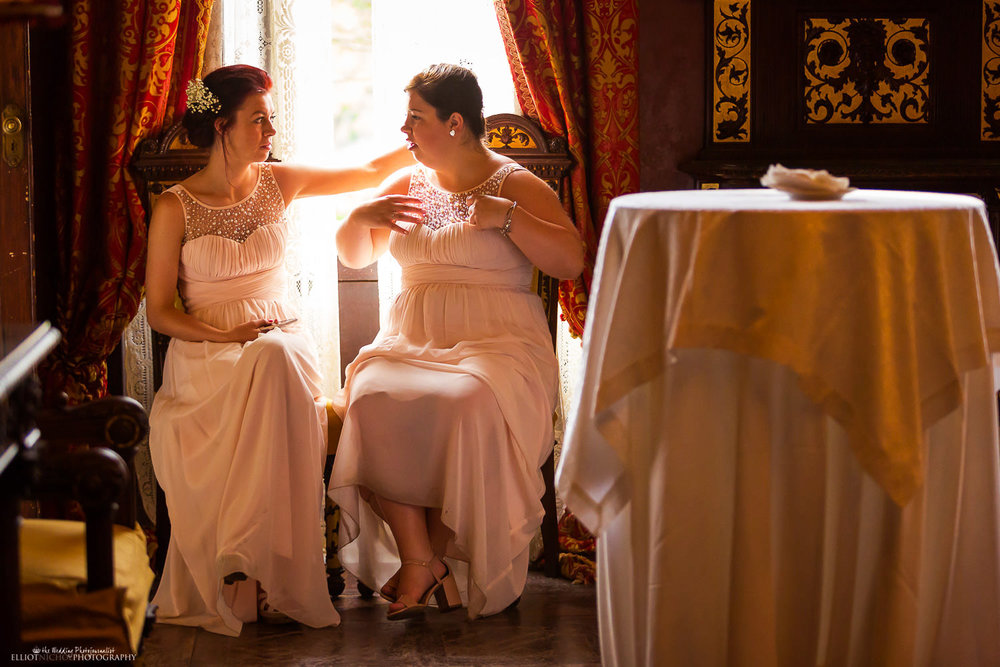 bridesmaids chatting in the red room at Palazzo Parisio, Malta