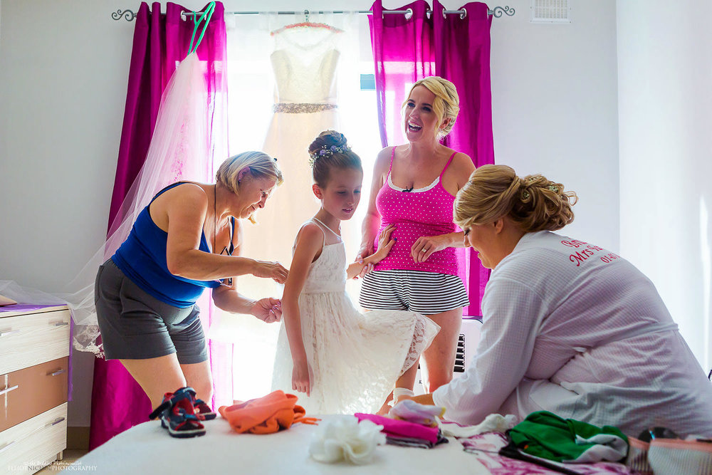 Bride getting ready with her party