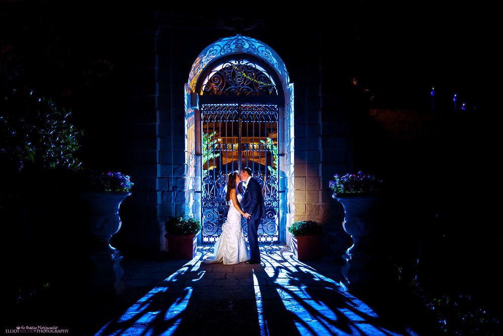 Dramatic portrait of the Bride and Groom in the gardens of Palazzo Parisio in Malta.
