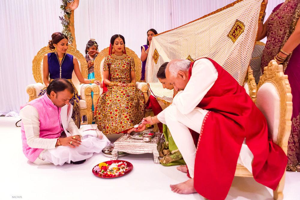 Indian Hindu wedding ceremony at Chateau Impney. Photo by Newcastle Upon Tyne based wedding photojournalist Elliot Nichol.