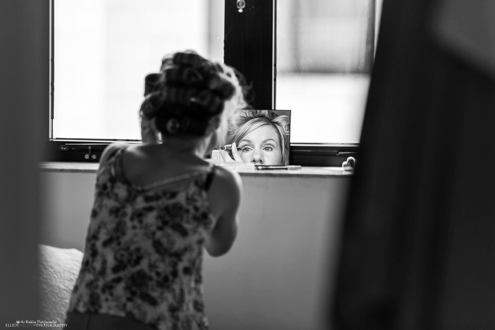 wedding-photography-bridesmaid-makeup-getting-ready