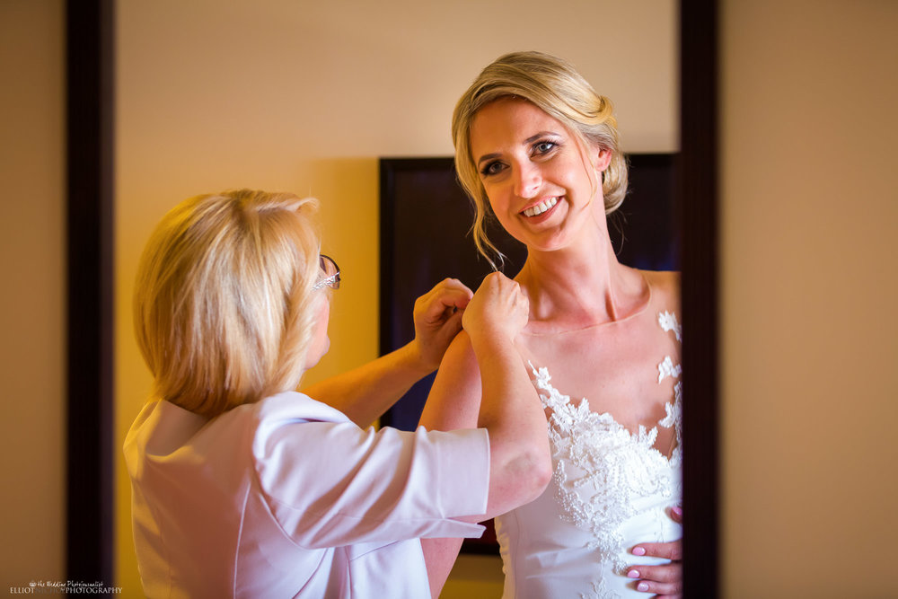 bride-mother-wedding-day-dress-prep-photography
